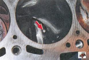 проверка наличия форсунок для охлаждения днища поршня