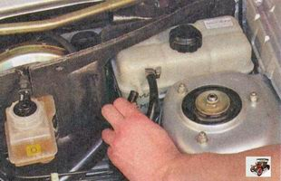 хомут крепления пароотводящего шланга радиатора отопителя Лада Приора ВАЗ 2170