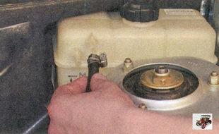 пароотводящий шланг радиатора системы охлаждения Лада Приора ВАЗ 2170