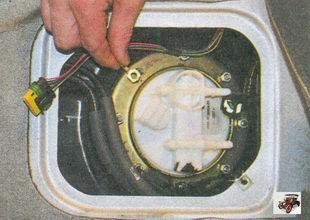 контакт провода массы