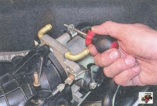 хомут крепления дроссельного узла шланг малой ветви системы вентиляции картера
