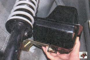 сепаратор в сборе с кронштейном, трубками и гравитационным клапаном Лада Приора ВАЗ 2170