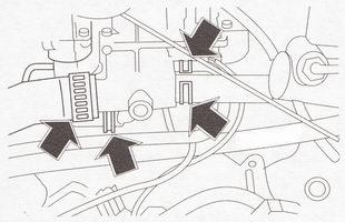 Отсоединение шлангов системы охлаждения от патрубков головки блока цилиндров