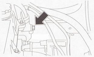 Крепление провода «массы» к головке блока цилиндров
