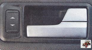 кнопка управления стеклоподъемниками пассажирских дверей