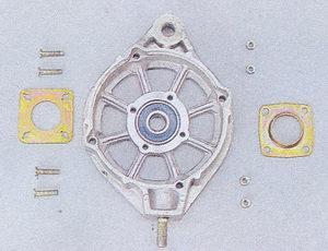 передняя крышка генератора - внутренняя шайба и внешняя шайба крепления подшипника генератора