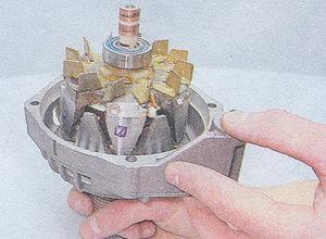 передний подшипник ротора генератора - передняя крышка генератора