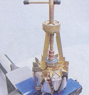 спрессовка заднего подшипника генератора с вала ротора
