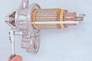 гайка оси рычага привода стартера