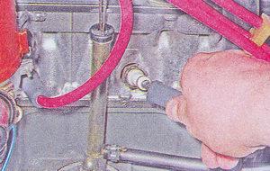 наконечник высоковольтного провода - свеча зажигания ваз 2107