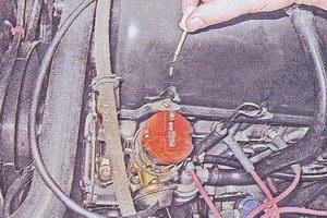 положение наружного контакта бегунка и корпуса распределителя зажигания ваз 2107