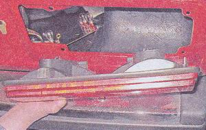 задний фонарь автомобиля ваз 2107