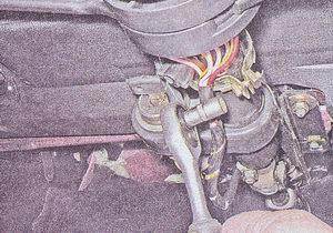 стяжной хомут рулевого вала ваз 2107