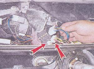 колодки жгута проводов подрулевого переключателя ваз 2107