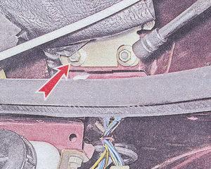 гайки крепления мотор редуктора стеклоочистителя к кузову автомобиля ваз 2107