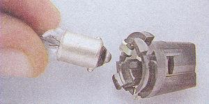 замена лампы подсветки панели приборов ваз 2107