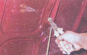 шплинт штанги капота