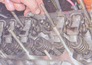 рычаги клапанов двигатель ваз 2107