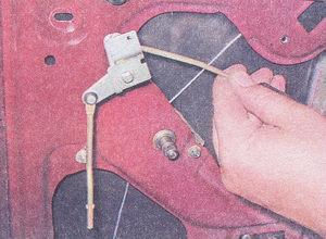 привод замка и наружной ручки ваз 2107