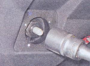 гайка крепления гидрокорректора фар ваз 2107