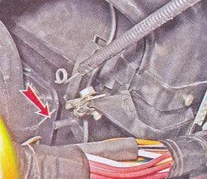 рычаг привода заслонки отопителя ваз 2107