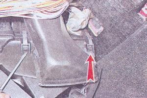 скобы крепления кожухов вентилятора отопителя к кожуху радиатора печки