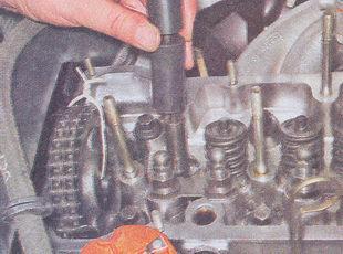 замена маслосъемного колпачка ваз 2107
