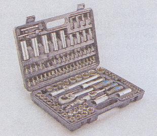 набор торцовых ключей со сменными головками