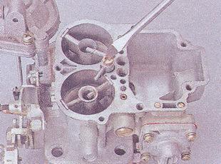клапан-винт ускорительного насоса карбюратора ваз 2107