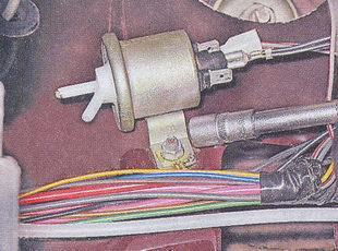 место крепления электропневмоклапана к кузову автомобиля ваз 2107