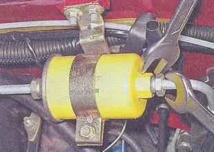 штуцер топливной трубки