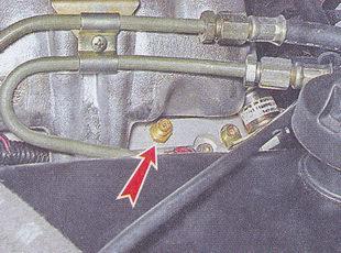 защитный колпачок штуцера топливной рампы ваз 2107