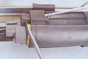 держатель электробензонасоса