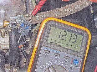 проверка напряжения на колодке регулятора холостого хода ваз 2107