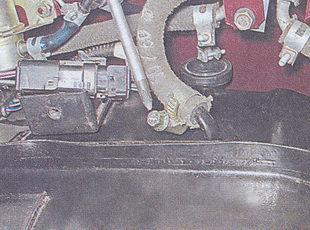 шланг перепускного клапана бензобака