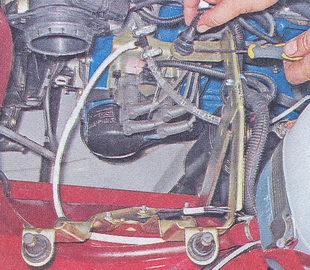 кронштейна корпуса воздушного фильтра ваз 2107