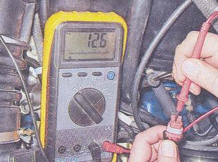 замер напряжения на выводах колодки жгута
