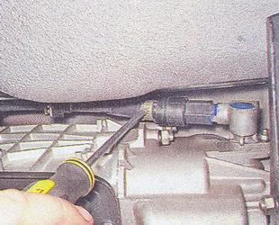 гайка троса привода спидометра ваз 2107