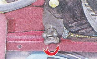 нижняя пробка радиатора ваз 2107