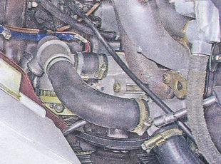 хомуты крепления шлангов к патрубкам насоса охлаждающей жидкости и головки блока цилиндров ваз 2107