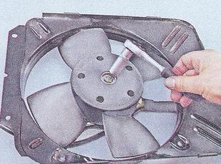 крыльчатка электродвигателя вентилятора радиатора ваз 2107