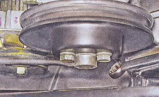 болты крепления шкива привода насоса охлаждения ваз 2107