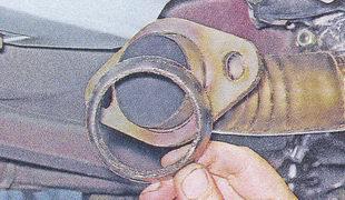 уплотнительное кольцо приемной трубы глушителя ваз 2107