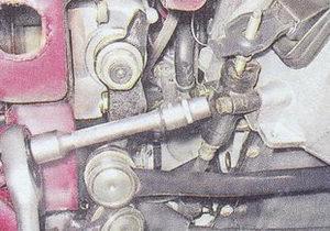 крепление рабочего цилиндра сцепления ваз 2107 к картеру сцепления автомобиля
