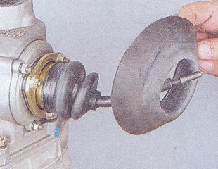 манжета рычага переключения передач кпп ваз 2107.