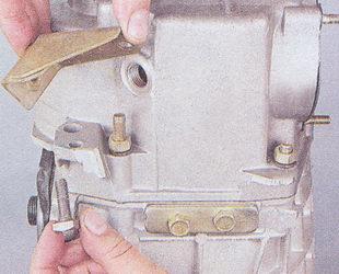 кронштейн приемной трубы - закладной болт