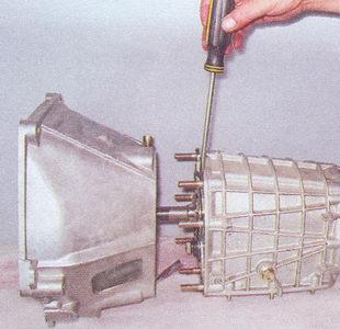 картер сцепления - коробка передач ваз 2107
