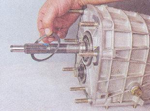 пружинное кольцо первичного вала коробки передач ваз 2107