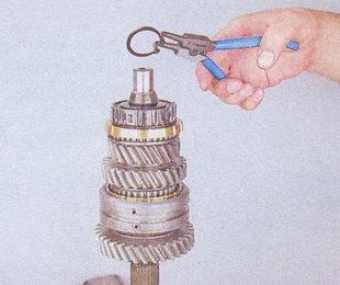 стопорное кольцо ступицы кпп ваз 2107