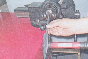 передний карданный шарнир